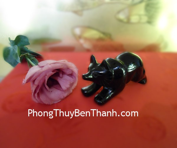 ho-ly-thach-anh-den-nam-01
