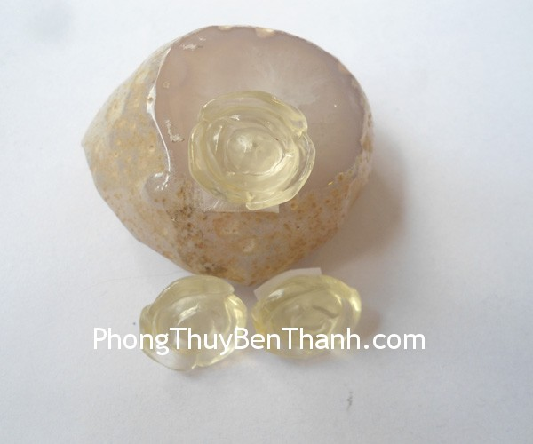 s6064-mat-mau-don-thach-anh-vang-2
